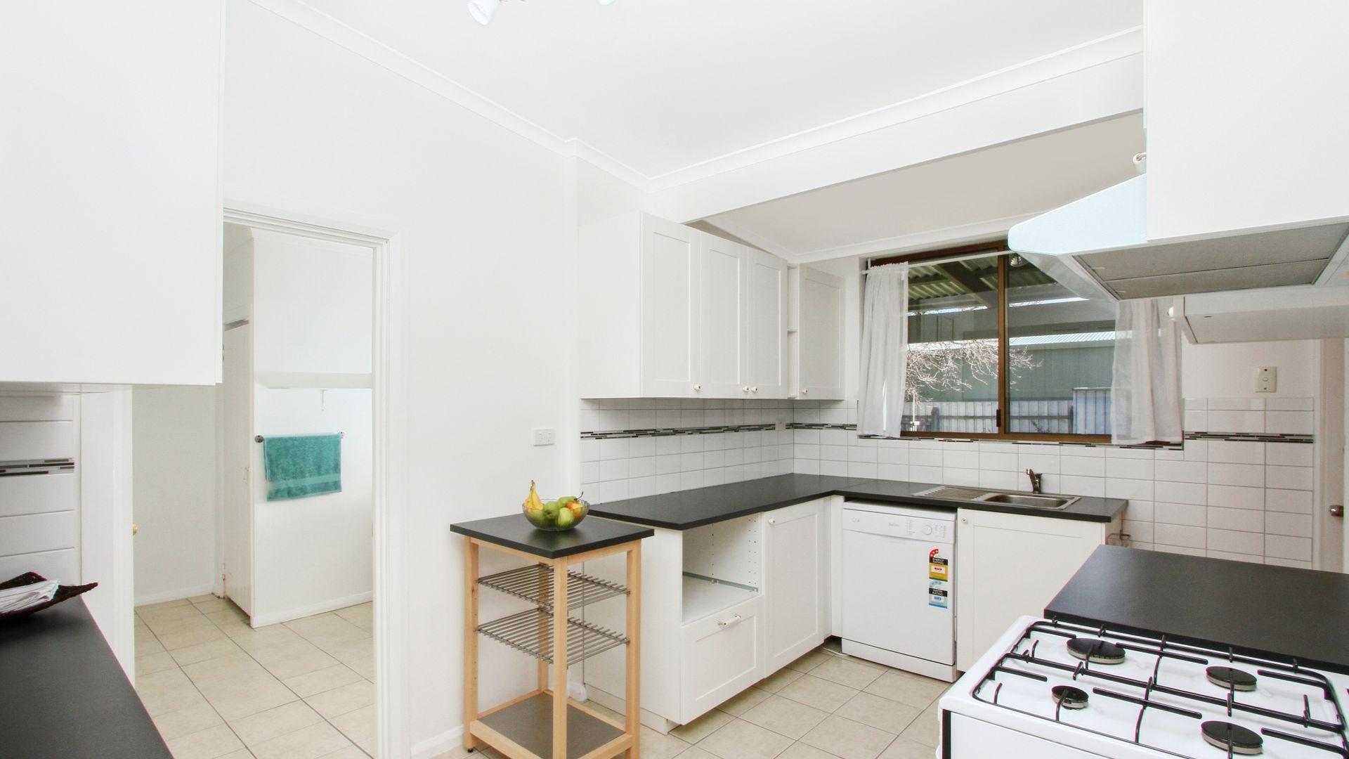 48 Joshua Street, Goulburn NSW 2580, Image 2