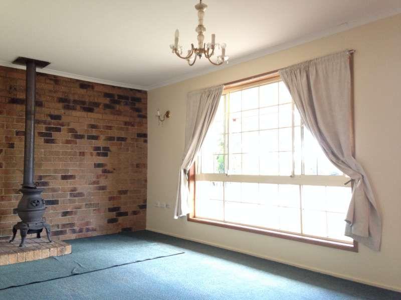 3 Newlands Avenue, Petrie QLD 4502, Image 2