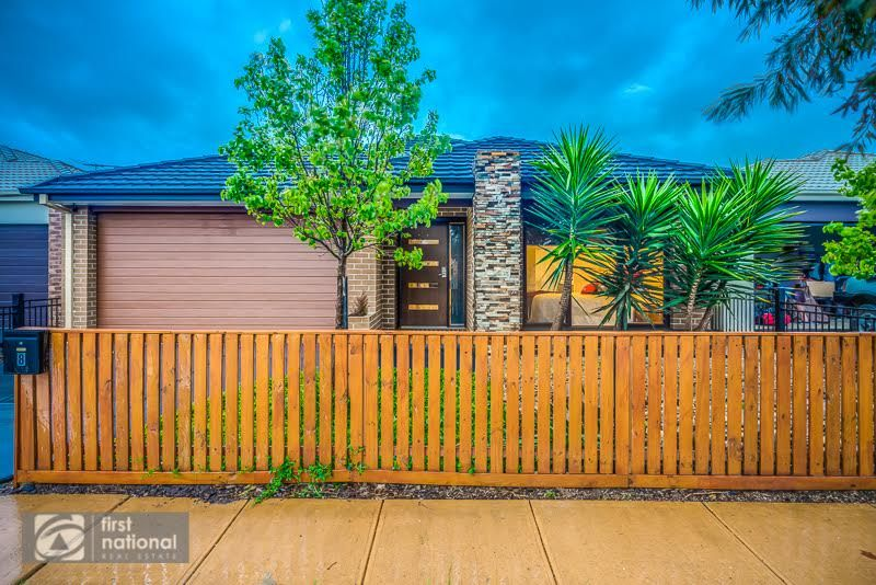 8 Atkinson Close, Point Cook VIC 3030, Image 1