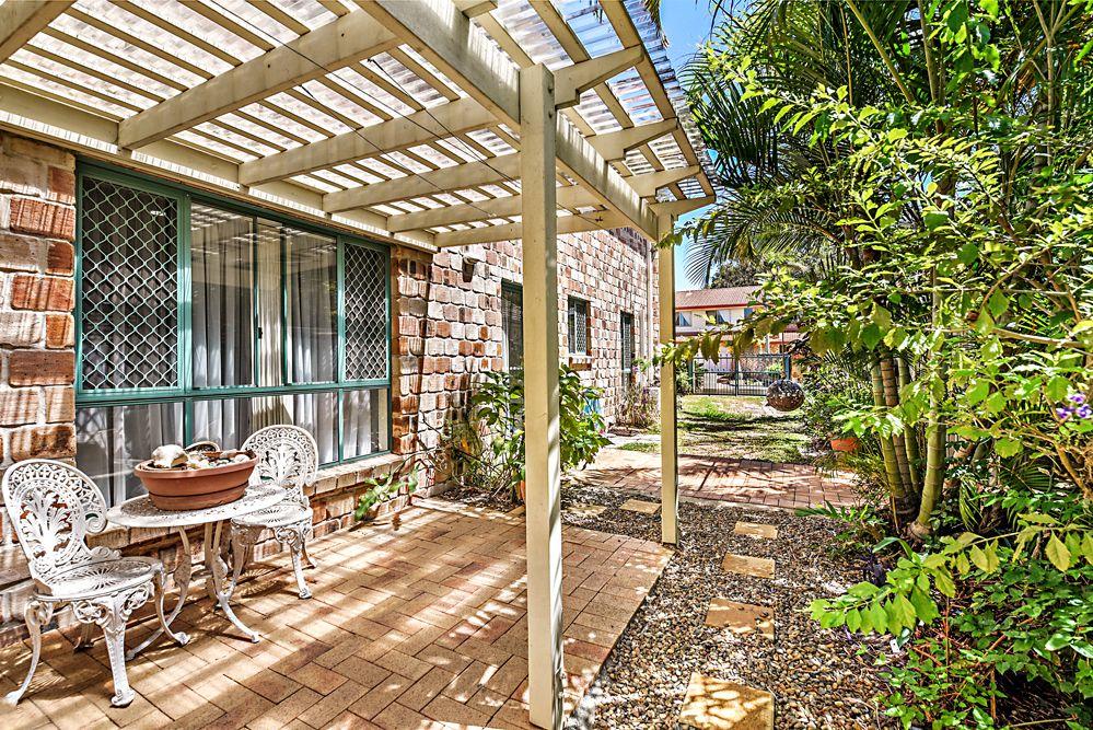 6 Thyme Court, Runaway Bay QLD 4216, Image 2