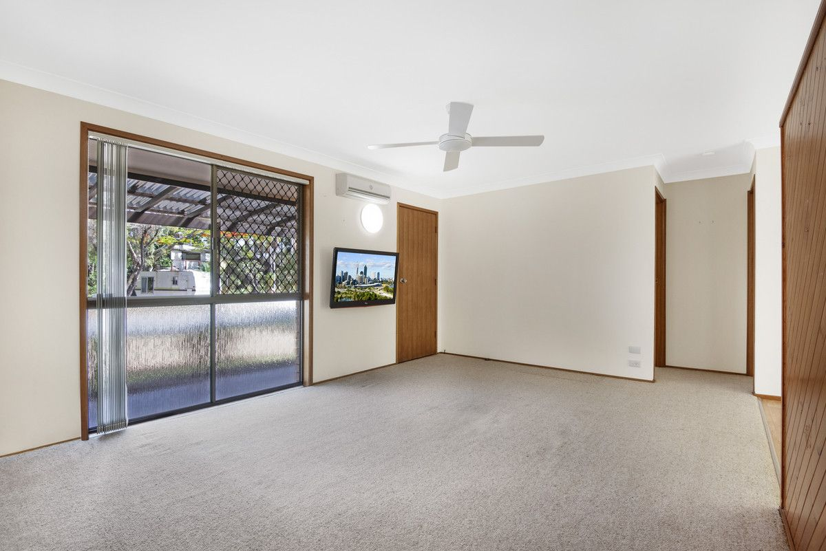 25 St Kilda Crescent, Tweed Heads West NSW 2485, Image 2