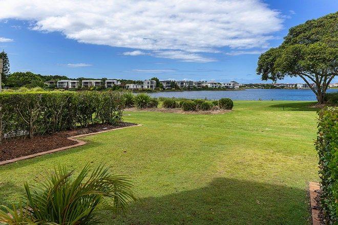 Picture of 8329 Magnolia Dr E, HOPE ISLAND QLD 4212