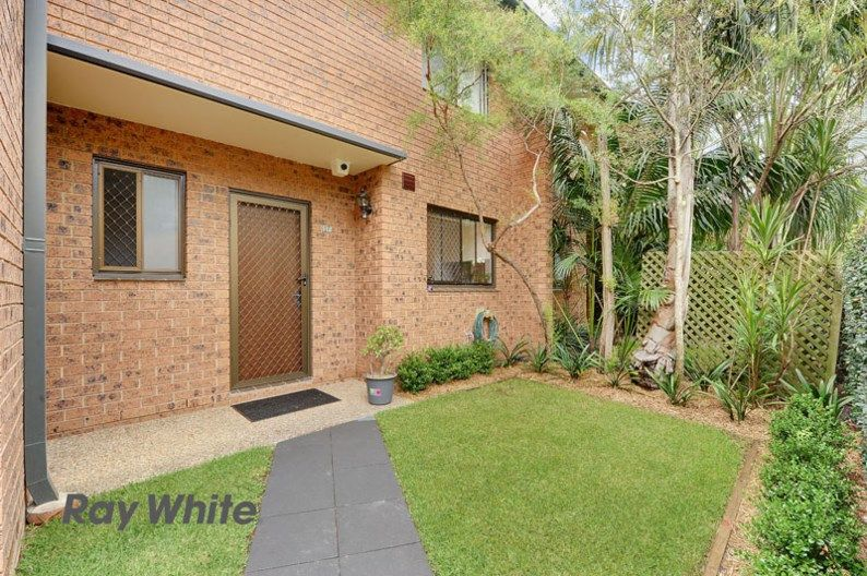 17/13 Busaco Road, Marsfield NSW 2122, Image 2