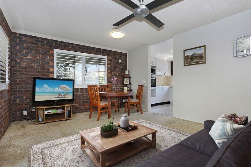 2/7 Hall Avenue, Bongaree QLD 4507, Image 2