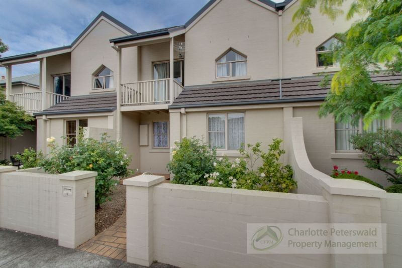 2/4 Stowell Avenue, Battery Point TAS 7004, Image 0