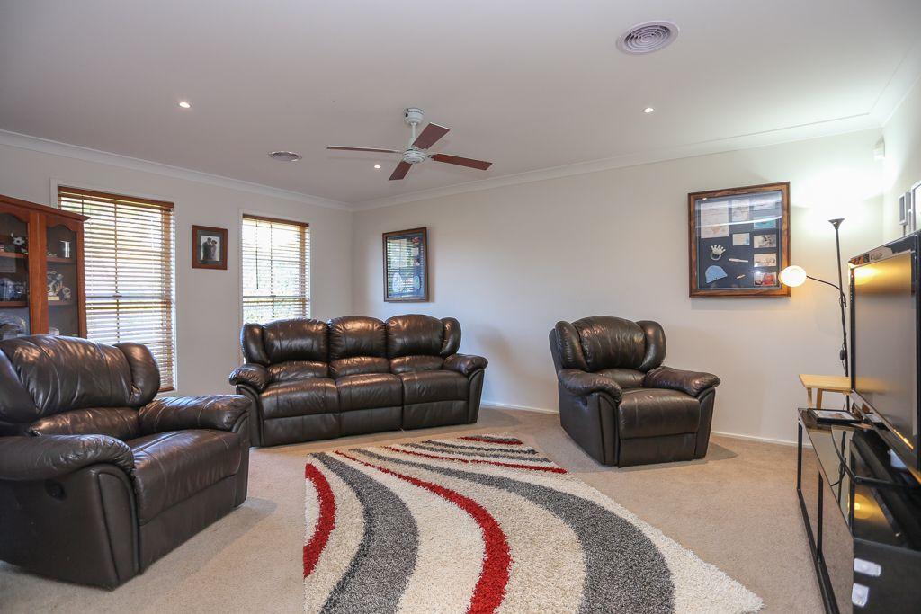 12 Joubert Place, Llanarth NSW 2795, Image 1