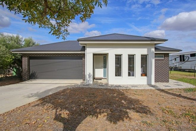 Picture of 10 Howlong Rd, RUTHERGLEN VIC 3685