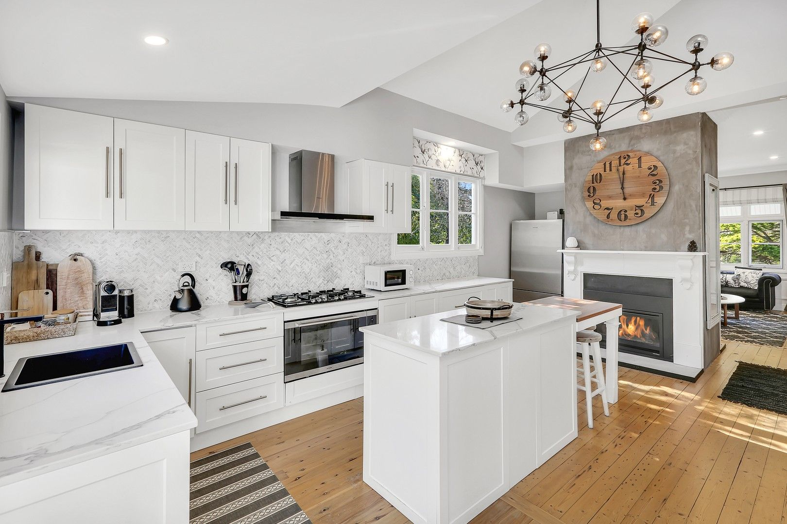 10 Gardiner Crescent, Blackheath NSW 2785, Image 0