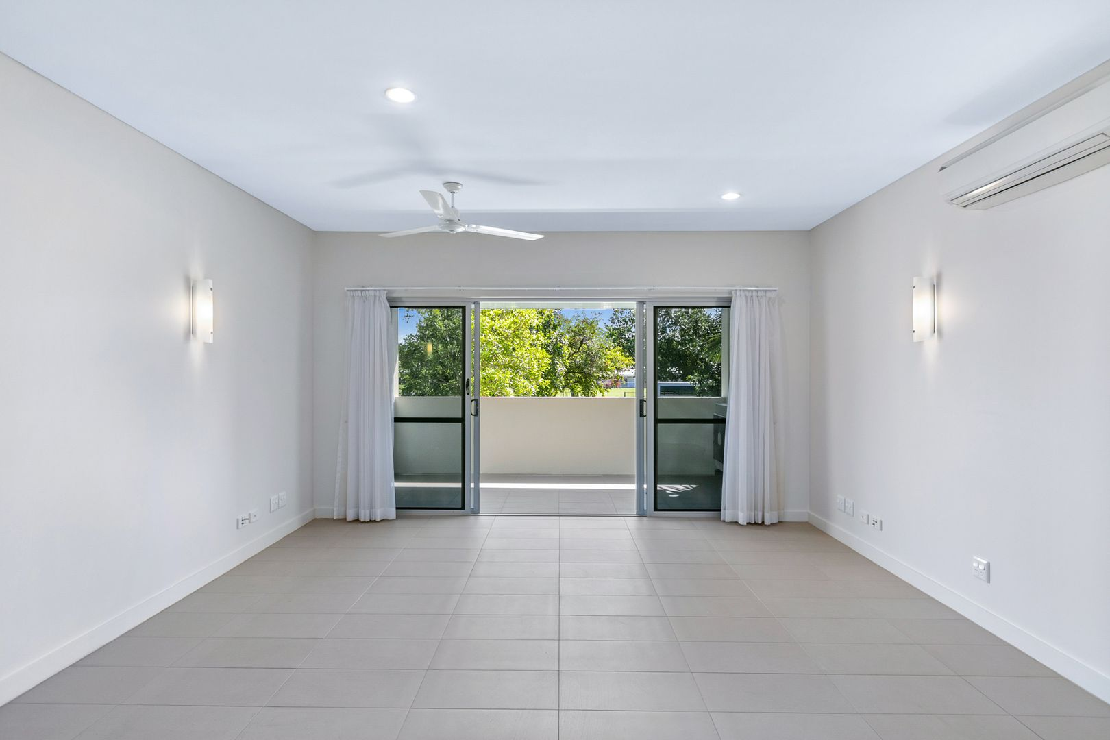 107/258-282 Lyons Street, Westcourt QLD 4870, Image 1
