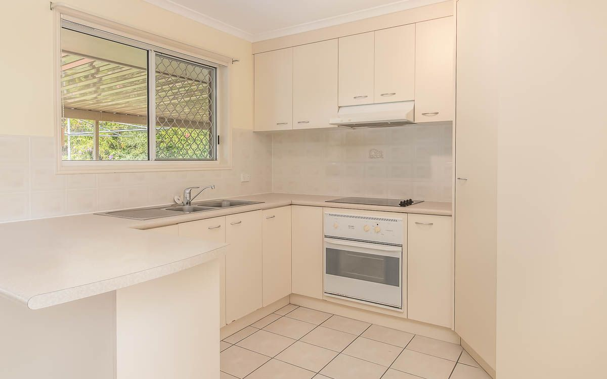 10 Hood Street, Urangan QLD 4655, Image 1