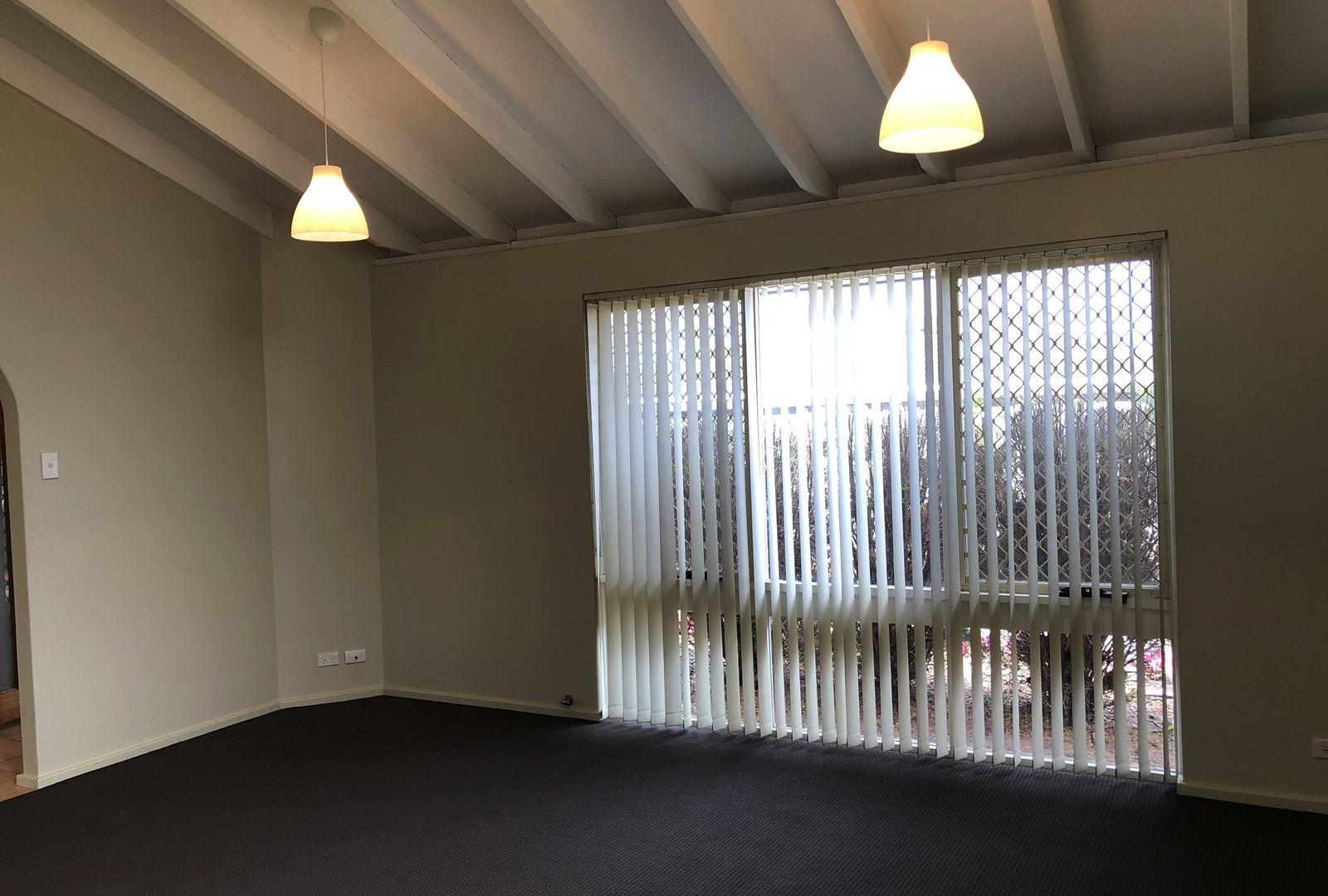 193 Camberwarra Drive, Craigie WA 6025, Image 2