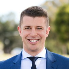 Daniel Patterson, Sales representative