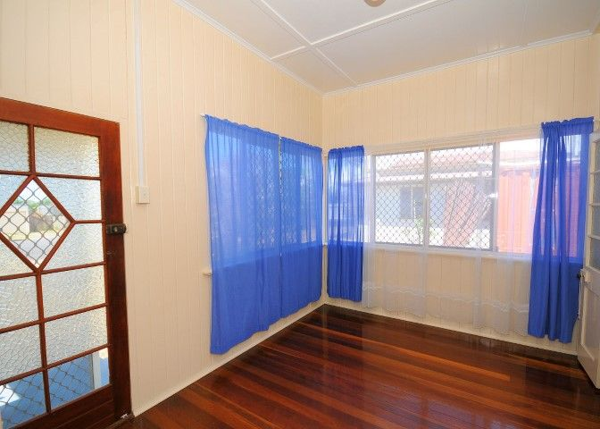 64 Dayman Street, Urangan QLD 4655, Image 2