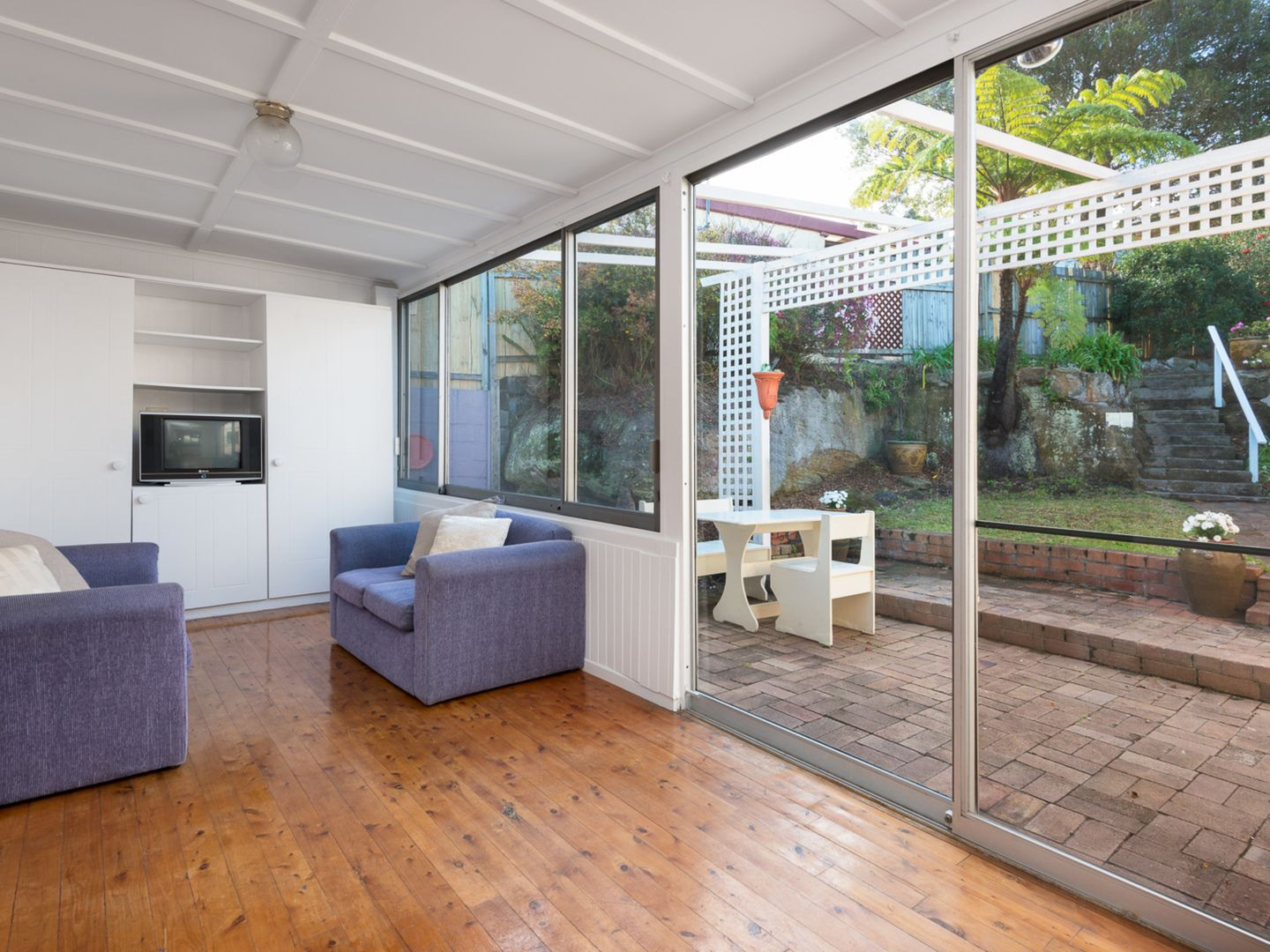 27 Strathallen Avenue, Northbridge NSW 2063, Image 2