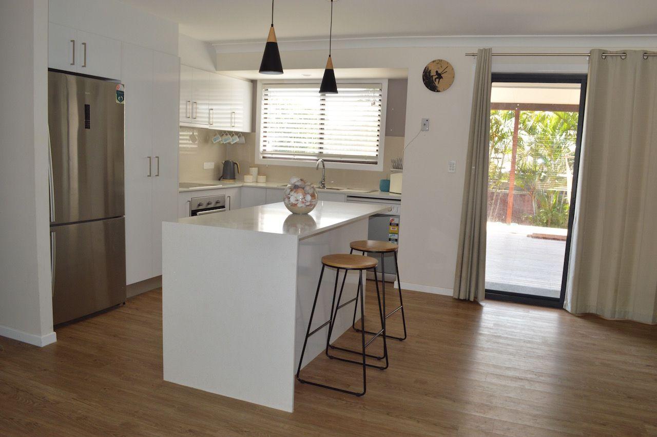 8 Darnel St, Elanora QLD 4221, Image 0