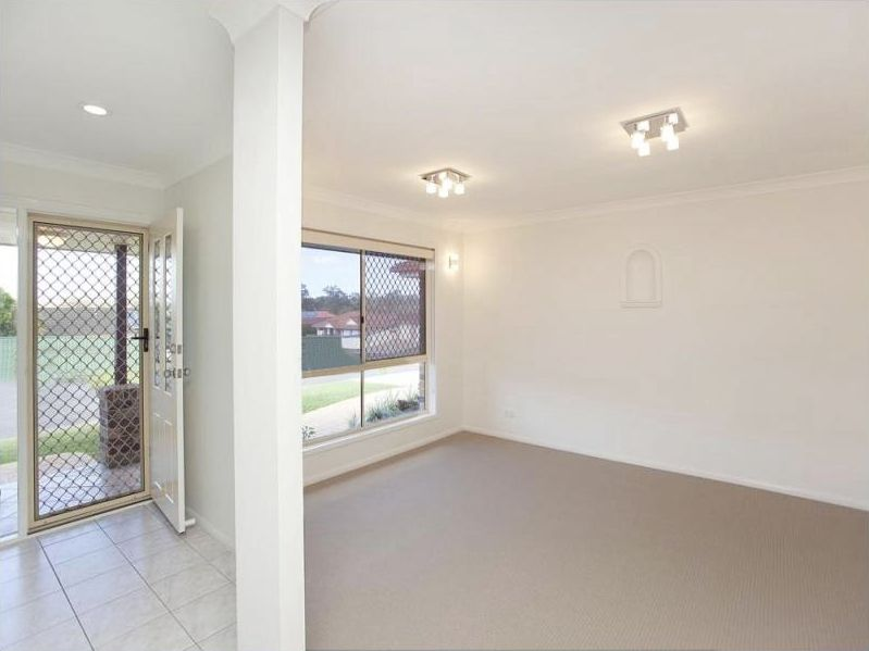 6 Cedarbird Court, Wishart QLD 4122, Image 2