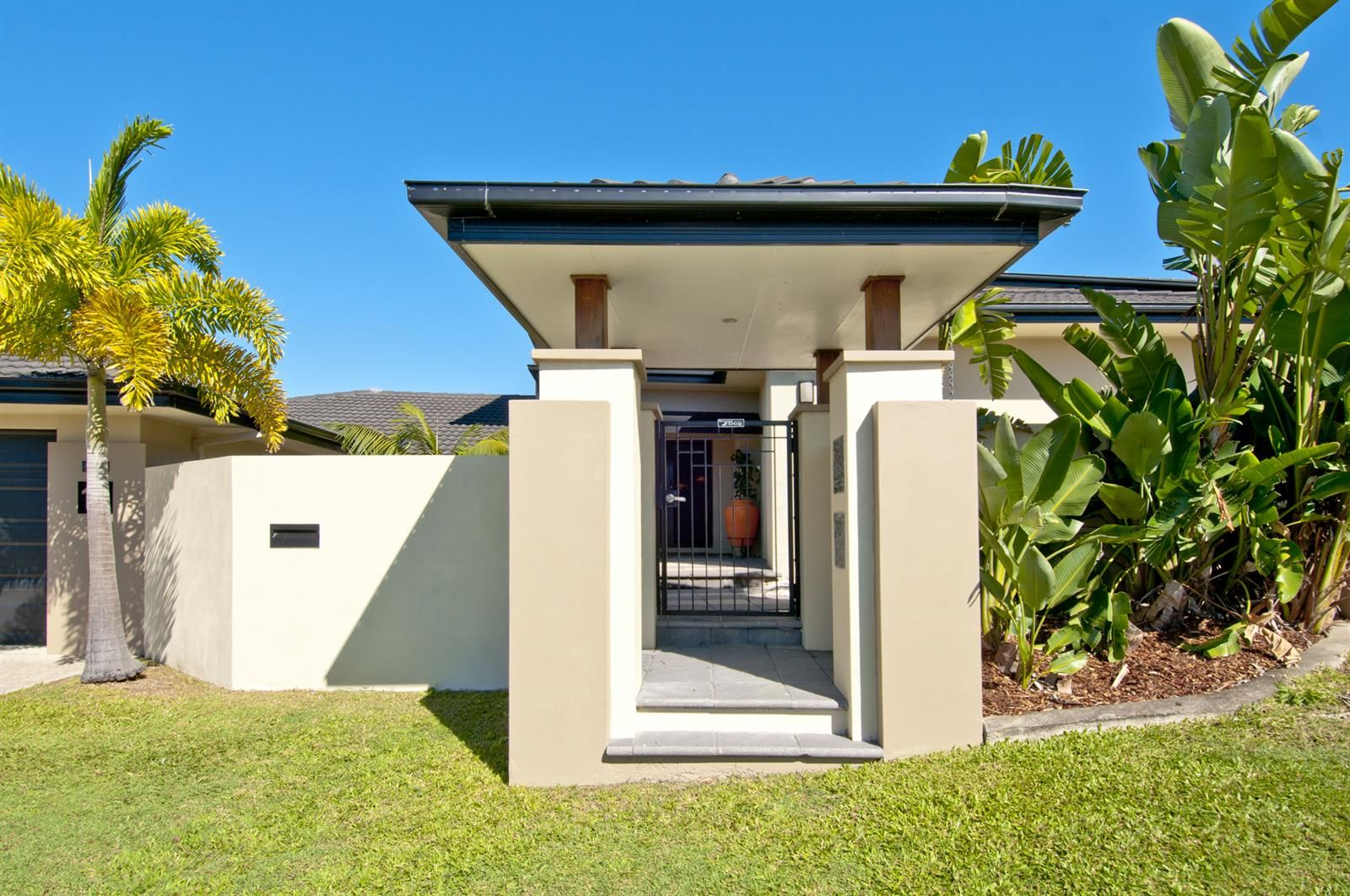12 Eastbourne Chase, Arundel QLD 4214, Image 1