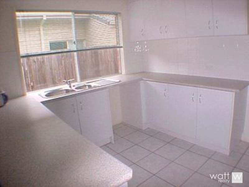 19 Grevillea Place, Bridgeman Downs QLD 4035, Image 2