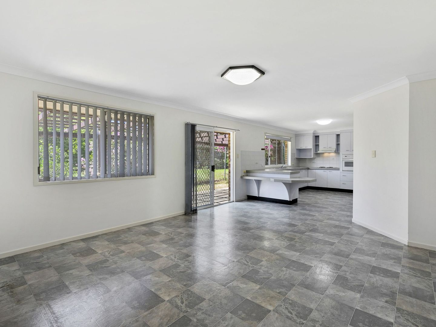 11 Ashley Court, Wellington Point QLD 4160, Image 2