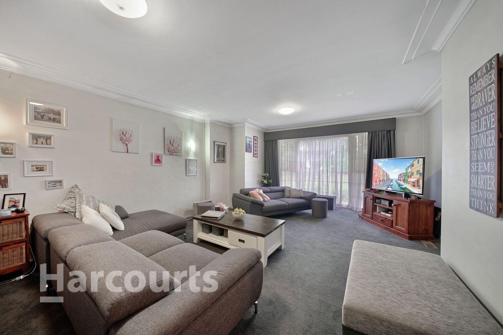 53 Coachwood Crescent, Bradbury NSW 2560, Image 1