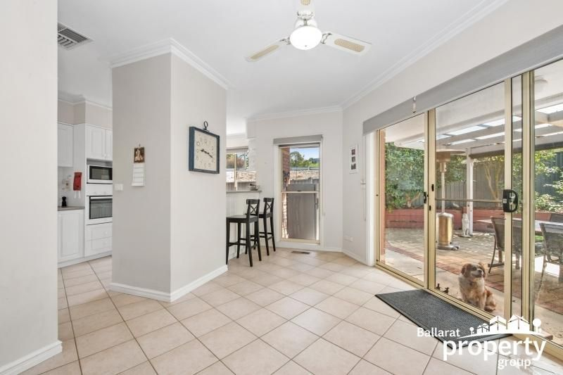9 Panorama Drive, Black Hill VIC 3350, Image 2
