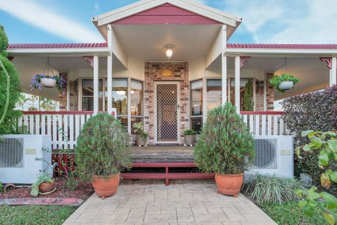 Picture of 74 Broomdykes Drive, BEACONSFIELD QLD 4740