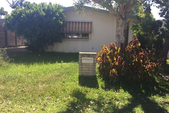 Picture of 28 Ashgrove Ave, RUNAWAY BAY QLD 4216