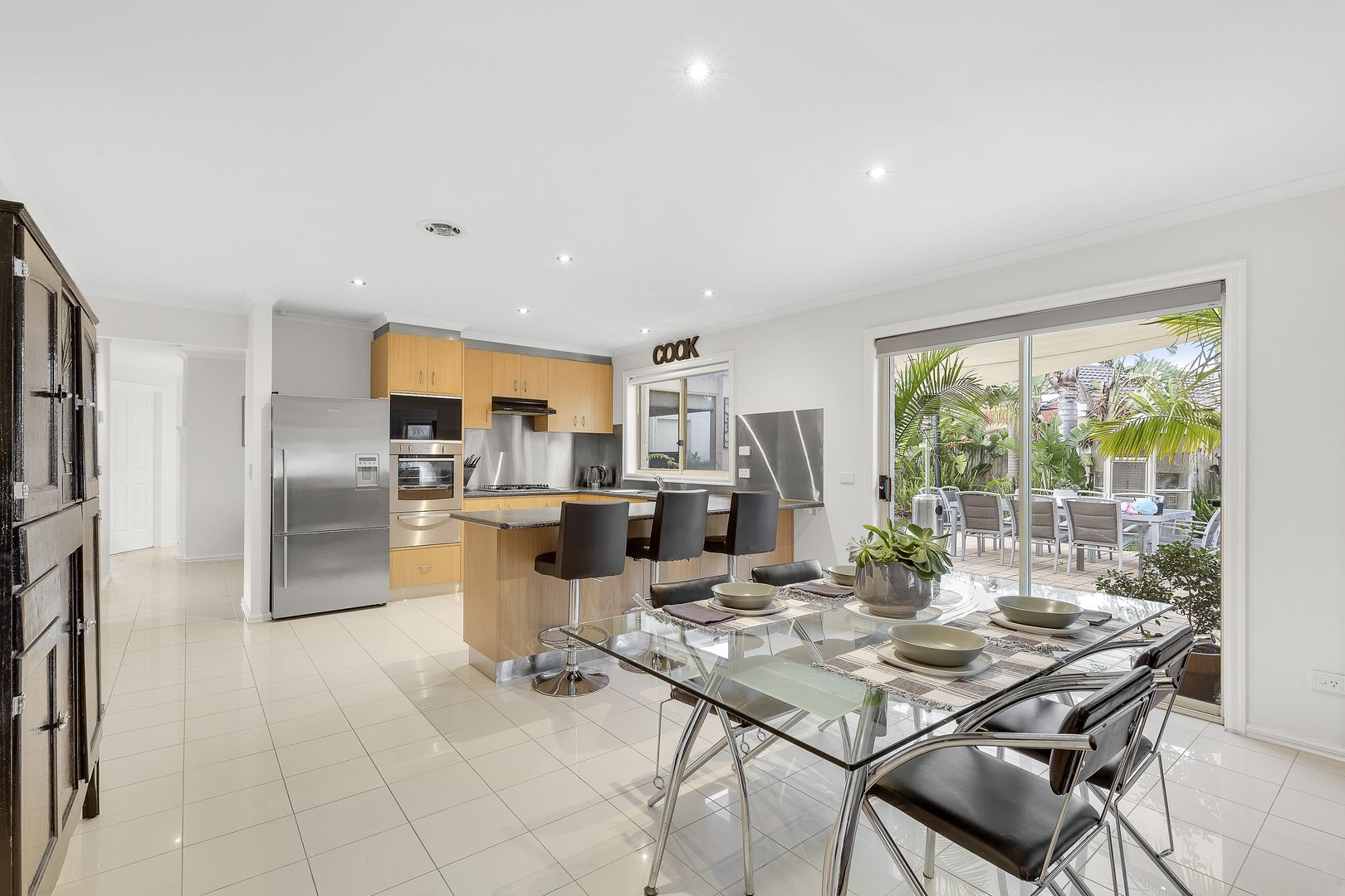 14 Pimelea  Way, Hillside VIC 3037, Image 2