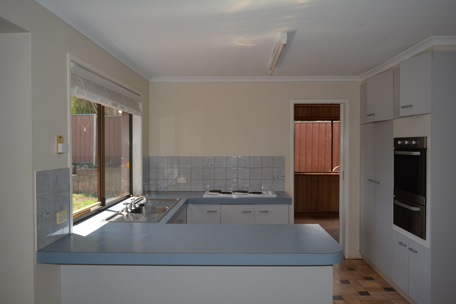 16 Coolawin Street, Wilsonton QLD 4350, Image 2