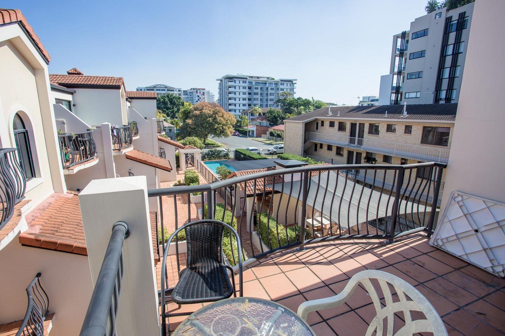 29/33 Lenneberg Street, Southport QLD 4215, Image 2