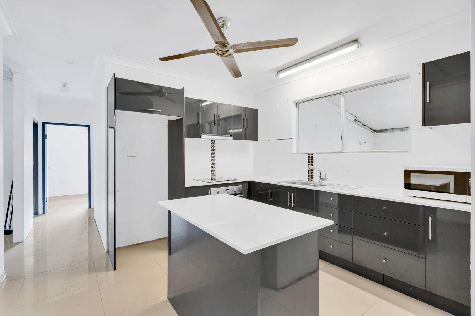 16 Melaleuca Street, Manunda QLD 4870, Image 2