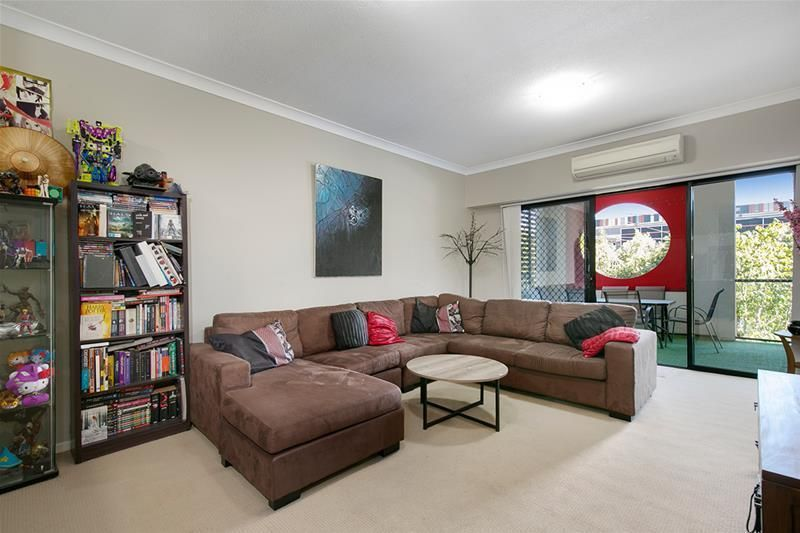 14/37 Playfield Street, Chermside QLD 4032, Image 2