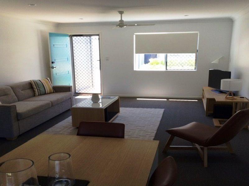 2/6 Brisbane, Bowen QLD 4805, Image 1