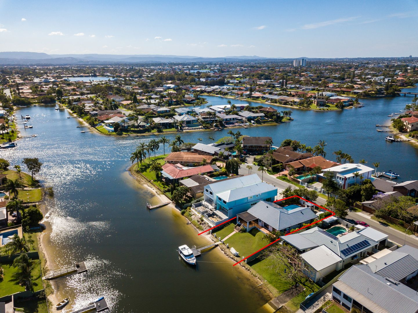 22 Kurrawa Avenue, Mermaid Waters QLD 4218, Image 1