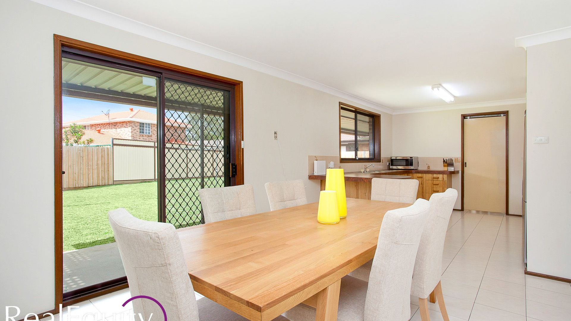 16 Aylesbury Crescent, Chipping Norton NSW 2170, Image 2
