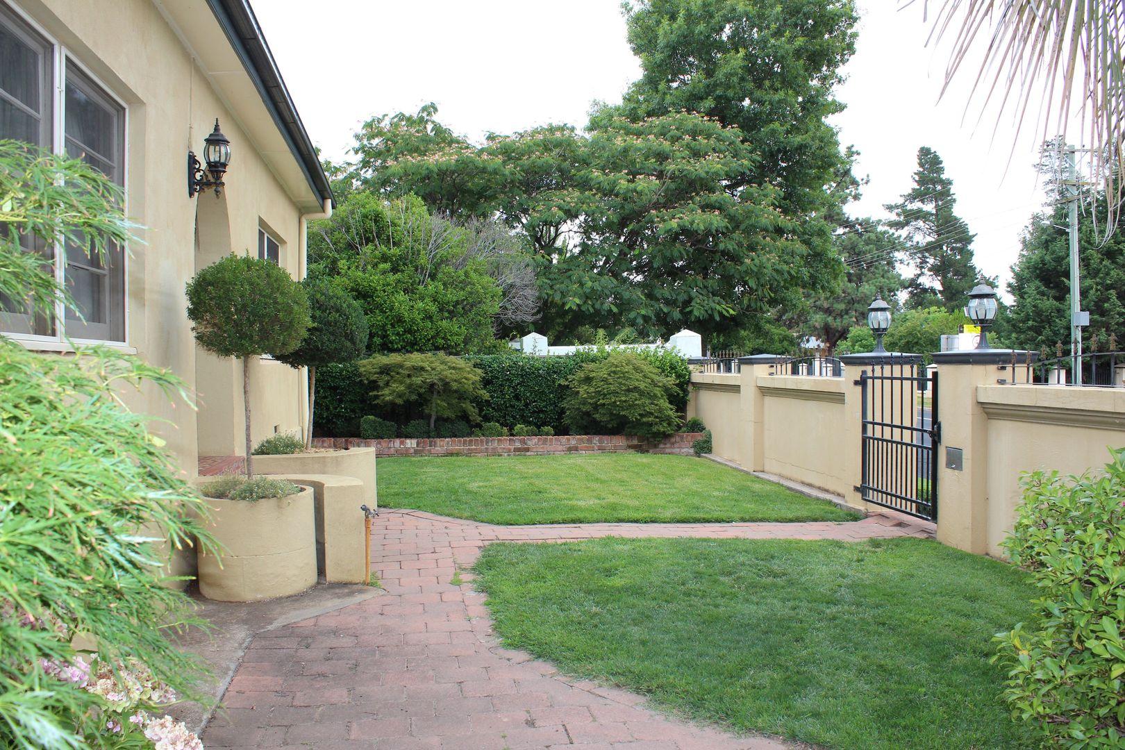 37 Gilmour Street , Bathurst NSW 2795, Image 2