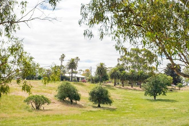 Picture of 46 Retreat Homestead Road, CASTERTON VIC 3311