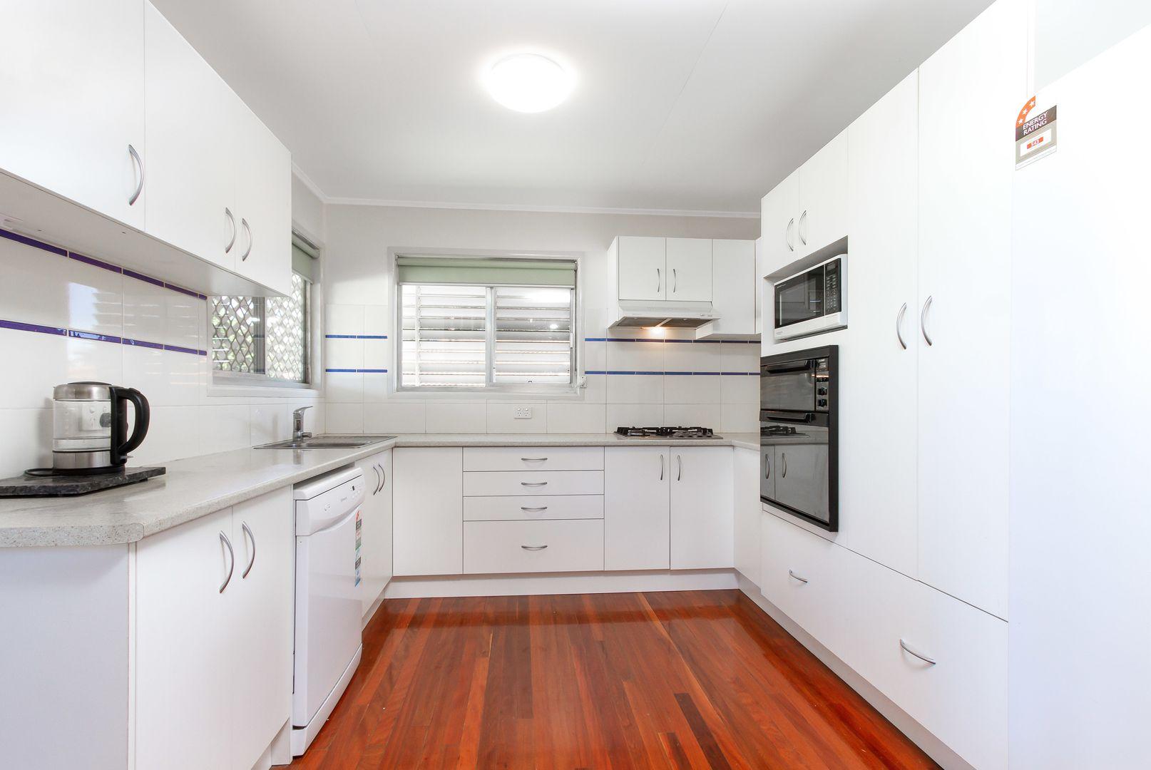 107 Pareena Cres, Mansfield QLD 4122, Image 1