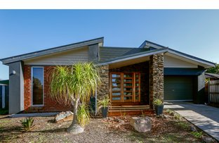 Picture of 2 Birch Place, Sale VIC 3850