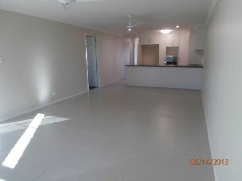 2/7 Platz Street, Chinchilla QLD 4413, Image 2