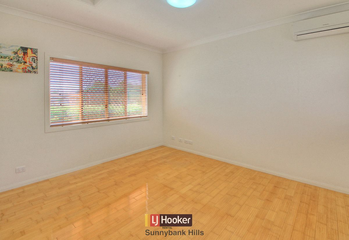 11 Silverbirch Close, Eight Mile Plains QLD 4113, Image 1