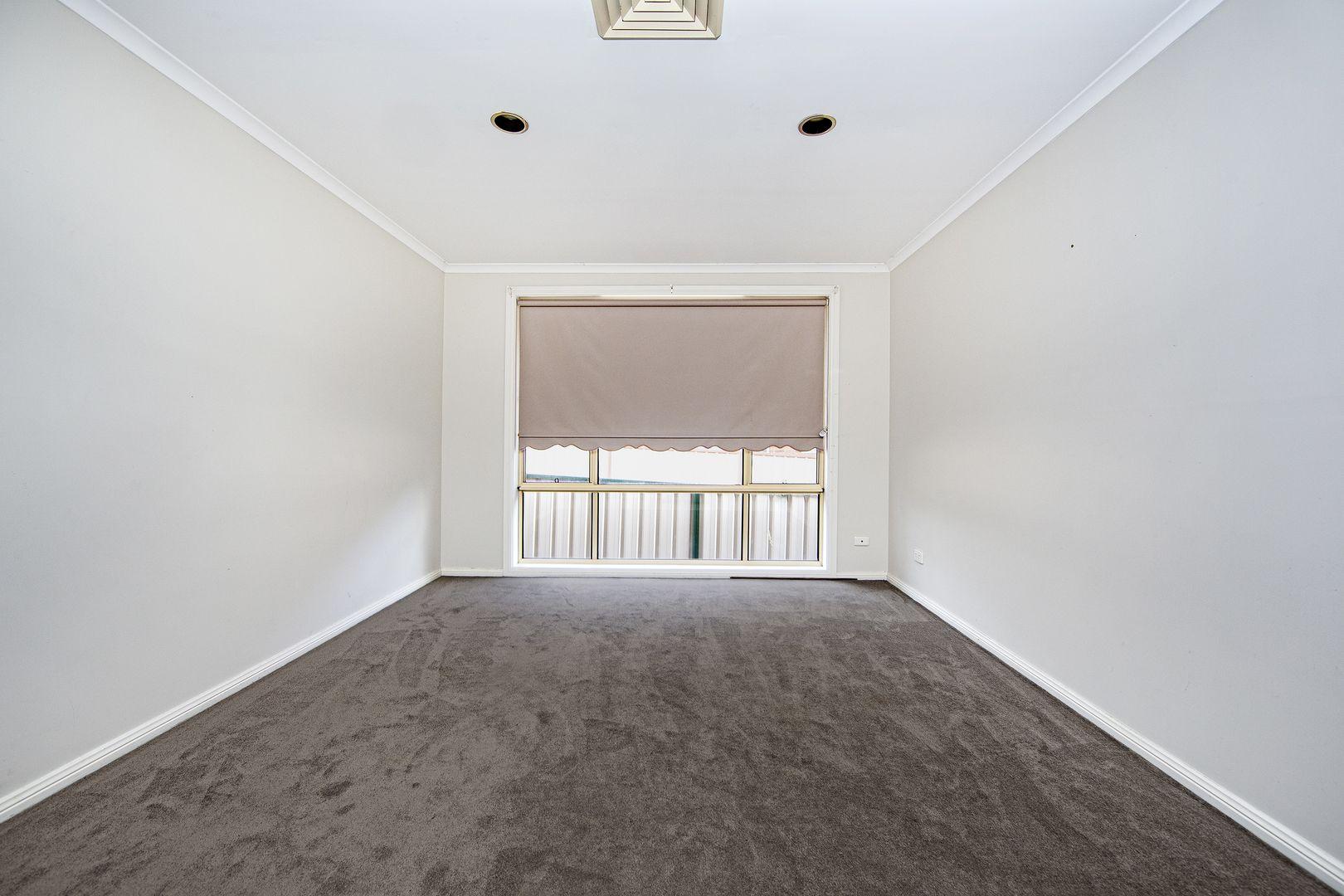 11 Derwent Drive, Lake Haven NSW 2263, Image 2