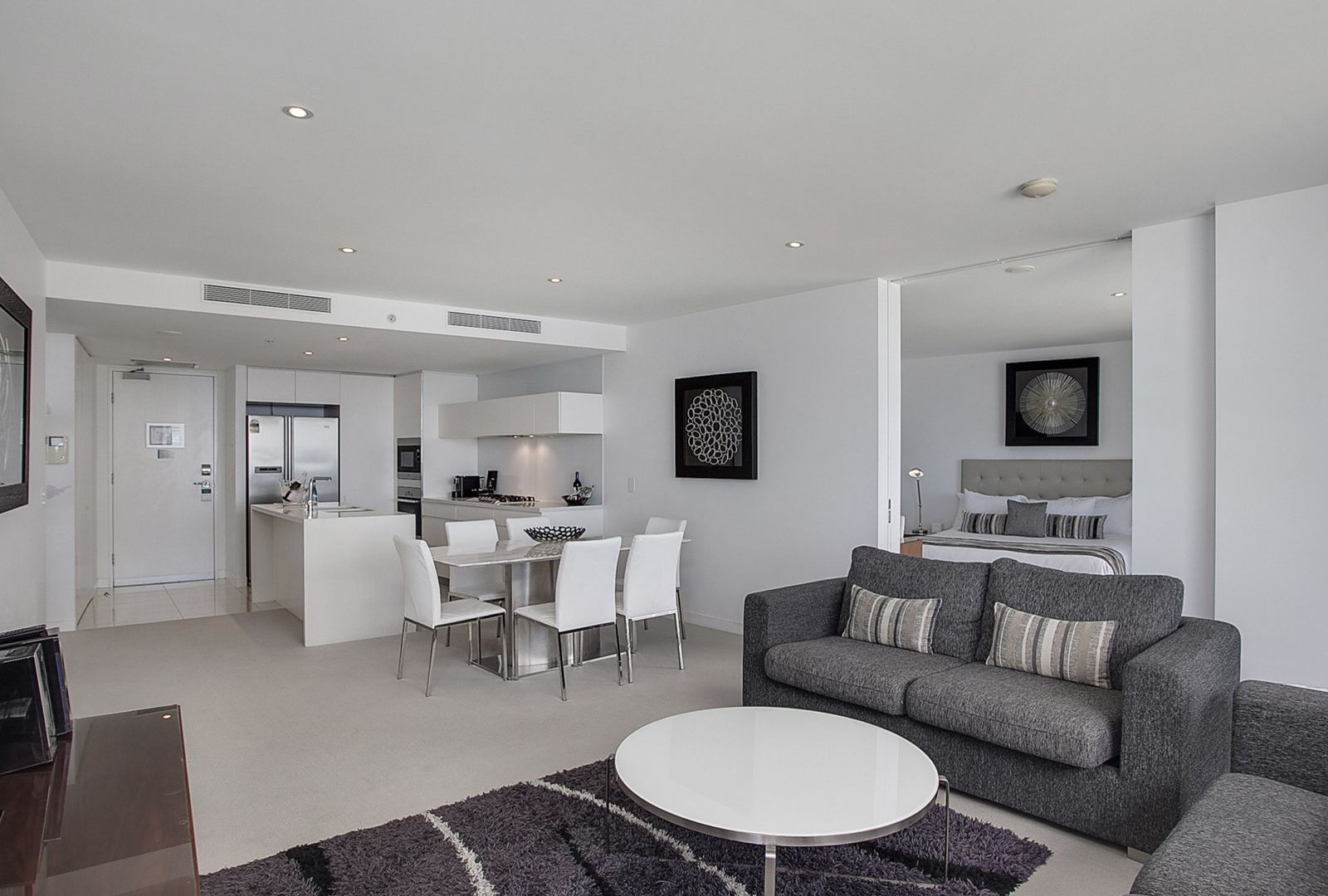 2503/3 Oracle Boulevard , Broadbeach QLD 4218, Image 2