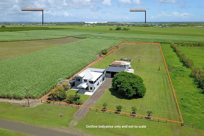 Picture of 199 Hoffmans Road, BURNETT HEADS QLD 4670