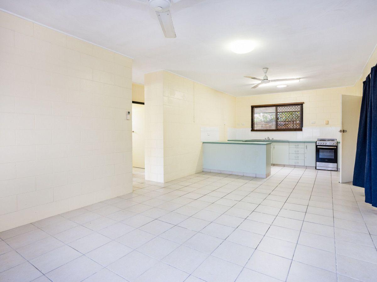 454 McCoombe Street, Mooroobool QLD 4870, Image 1