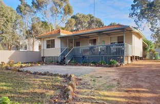 Picture of 6 White Street, Wandering WA 6308
