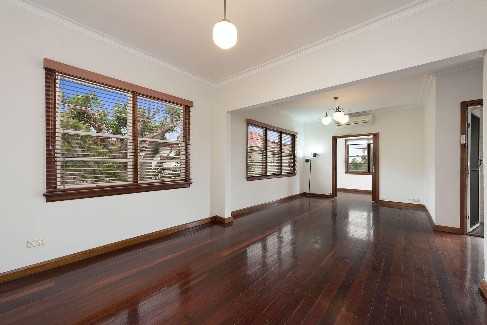 279 Chatsworth Road, Coorparoo QLD 4151, Image 2