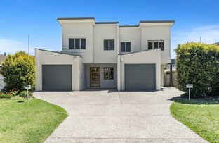 Picture of 17 Walker Avenue, Palm Beach QLD 4221