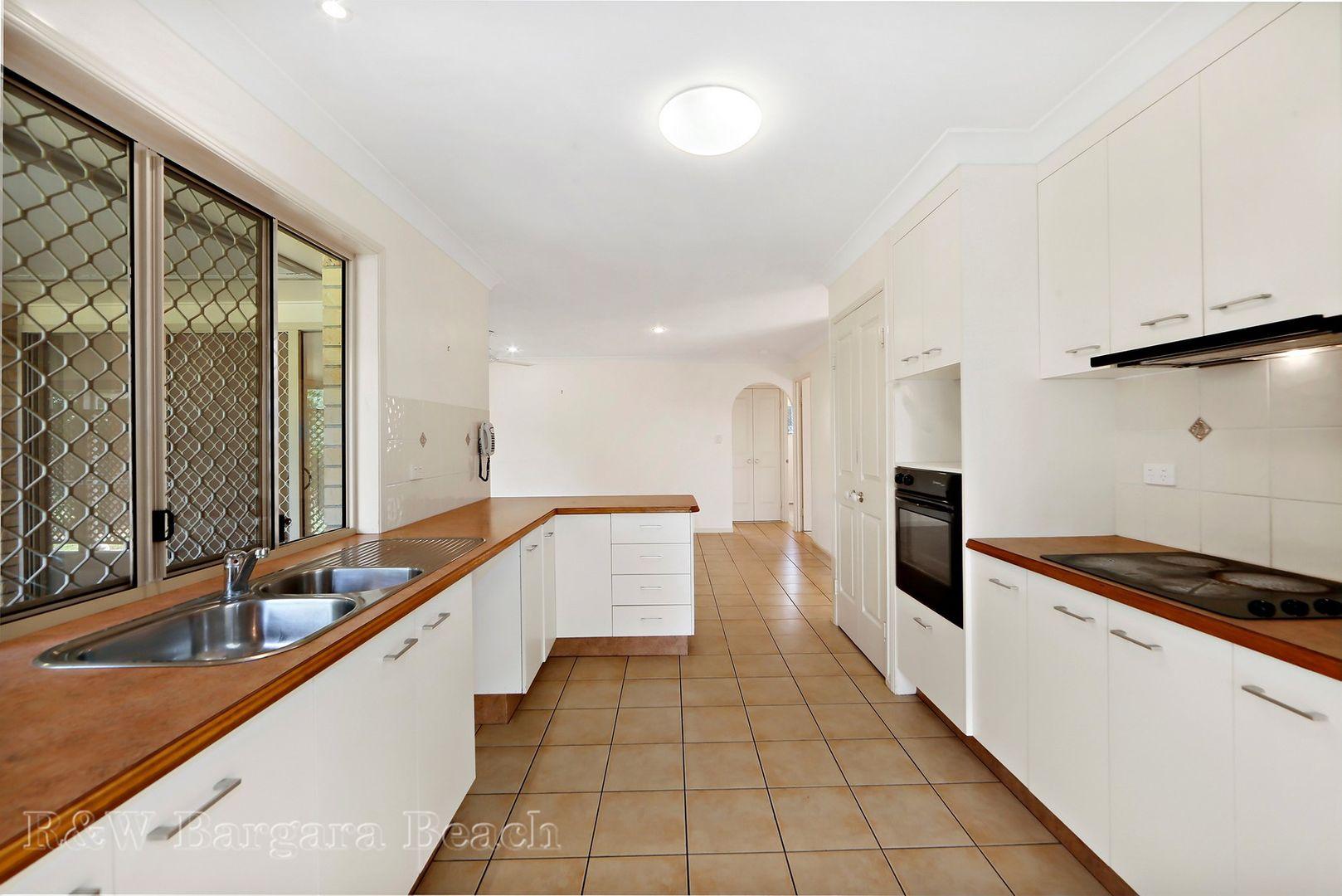 7 Bay Court, Bargara QLD 4670, Image 2