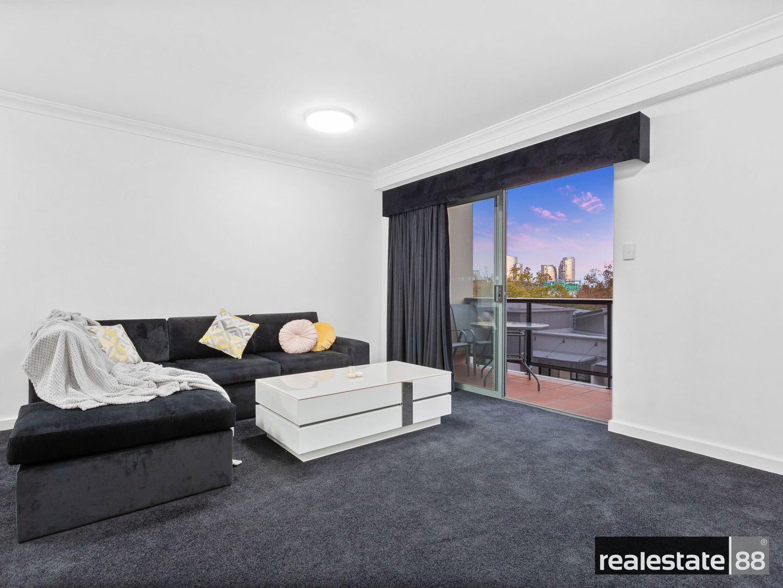 52/118 Mounts Bay Road, Perth WA 6000, Image 0